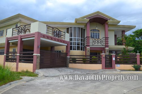 beautiful-house-and-lot-for-sale-in-davao-with-swimming-pool-2